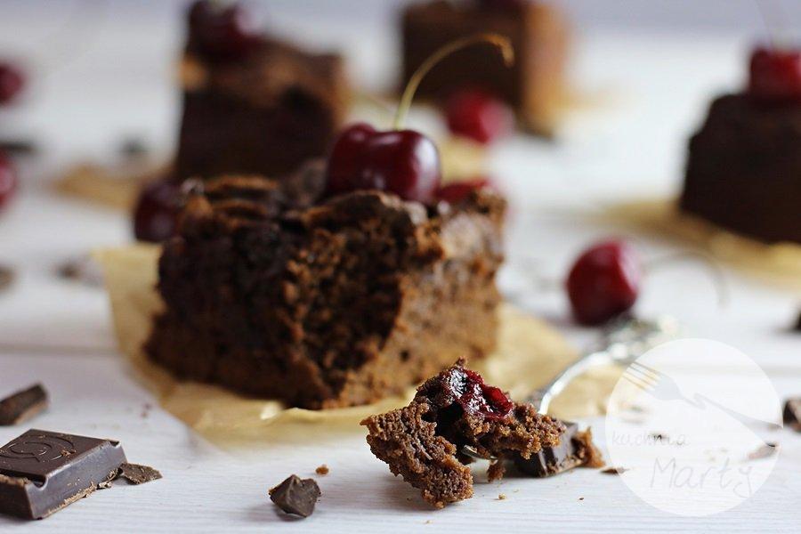 4448 - Brownie z wiśniami