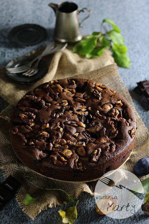 2093 - Ciasto czekoladowe ze śliwkami i orzechami