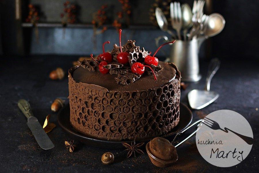 5024.900 - Tort czekoladowo wiśniowy