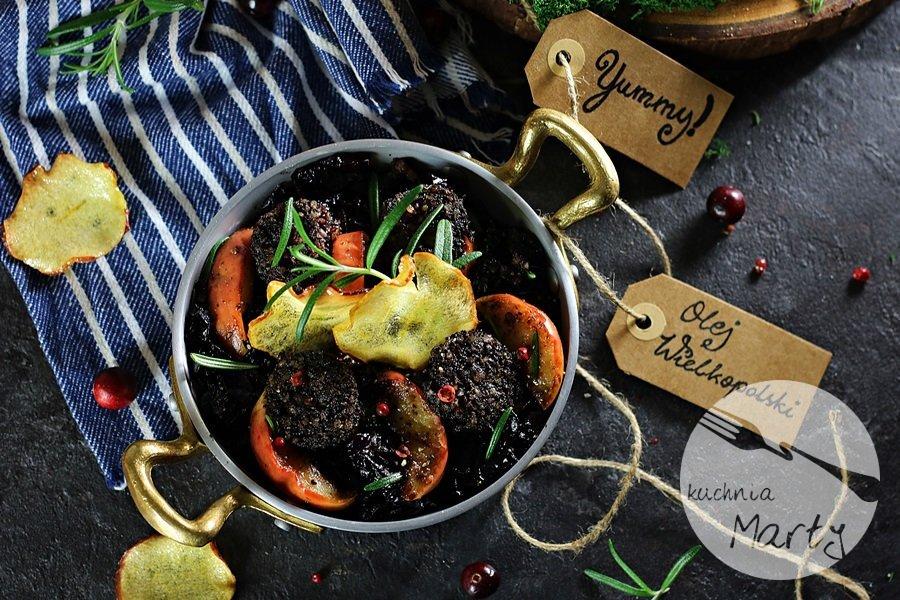 5587 - Kaszanka z karmelizowaną czerwoną kapustą i jabłkami