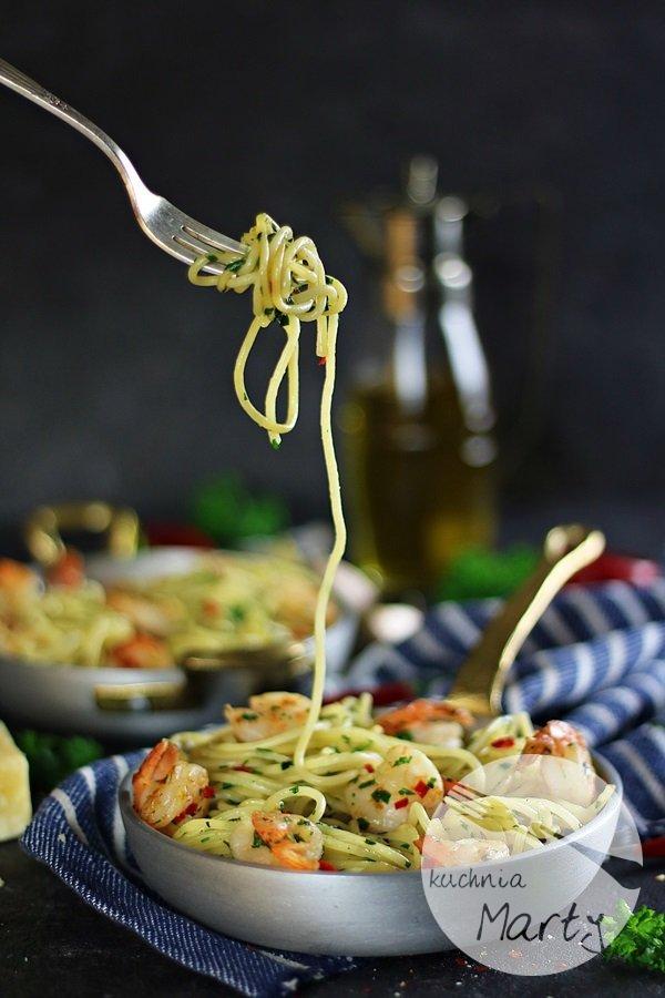 7941 - Spaghetti aglio olio z krewetkami