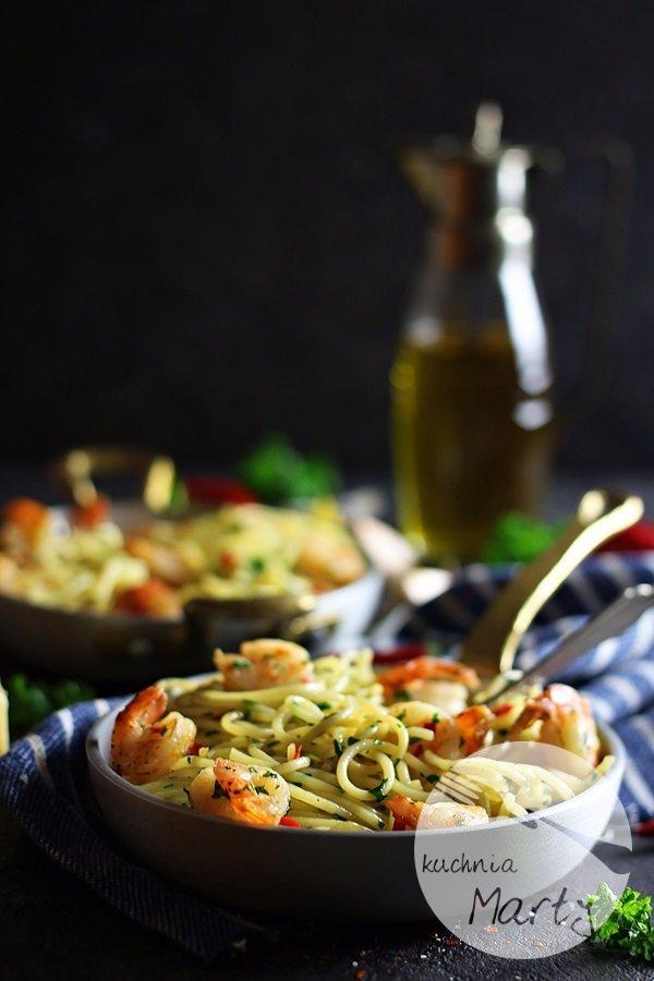 7961 - Spaghetti aglio olio z krewetkami