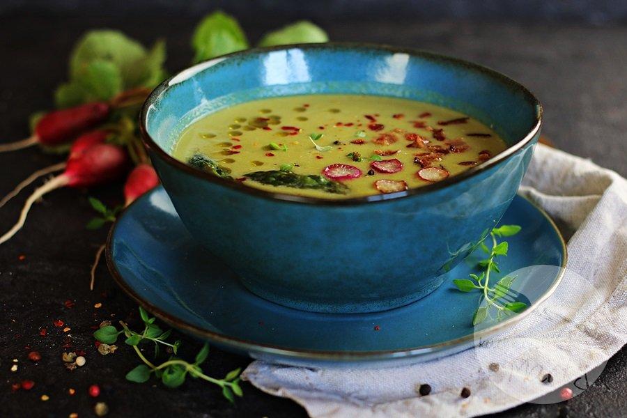 Zupa krem ze szparagów i kalarepy