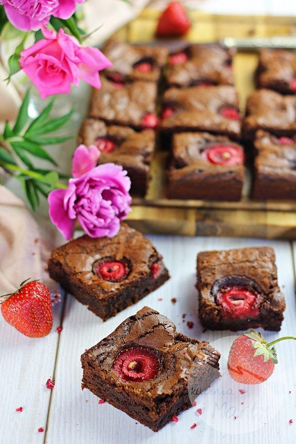 0373 - Brownie z truskawkami