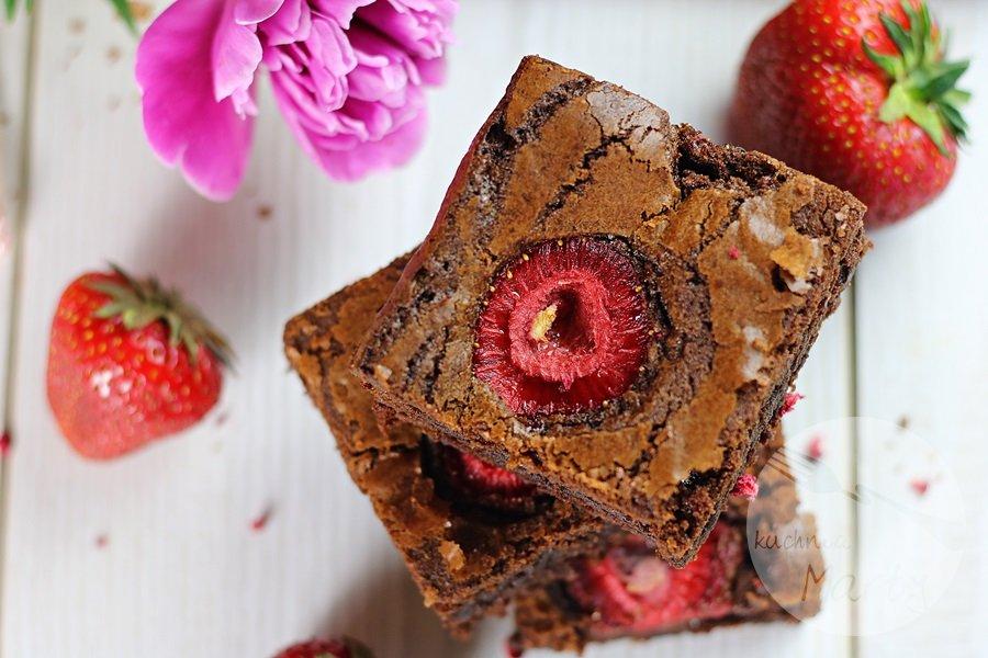 0401 - Brownie z truskawkami