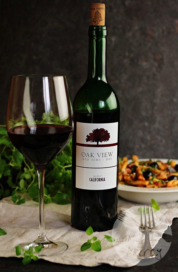 0900 - Makaron z sosem pomidorowym i bakłażanem – romantyczna kolacja w stylu włoskim