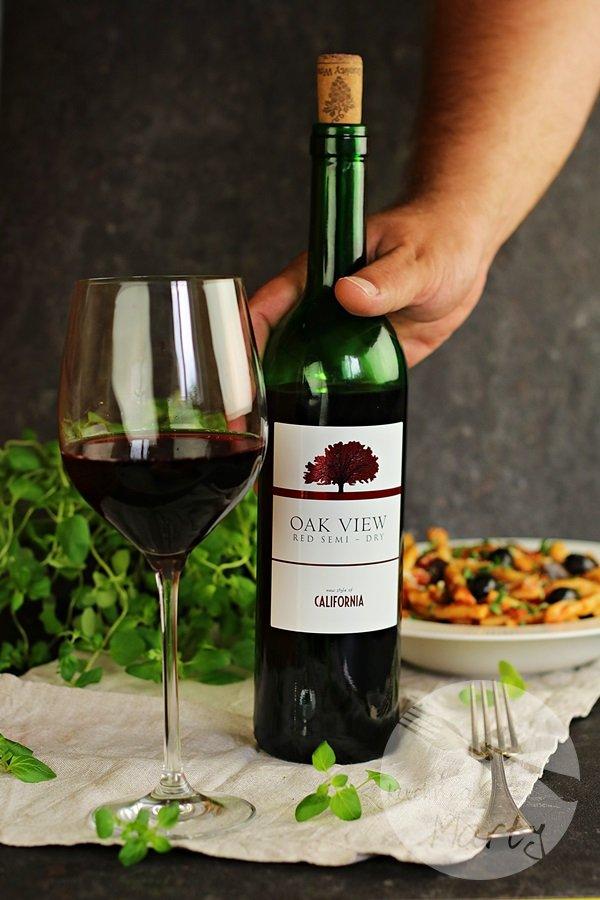 0915 - Makaron z sosem pomidorowym i bakłażanem – romantyczna kolacja w stylu włoskim