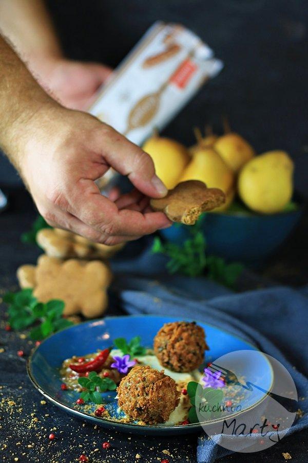 Panierowana kaszanka z pietruszkowo gruszkowym puree i piernikową nutą