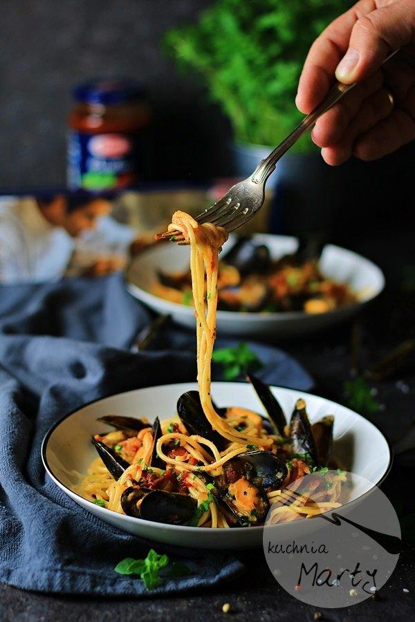 Spaghetti al pomodoro z mulami
