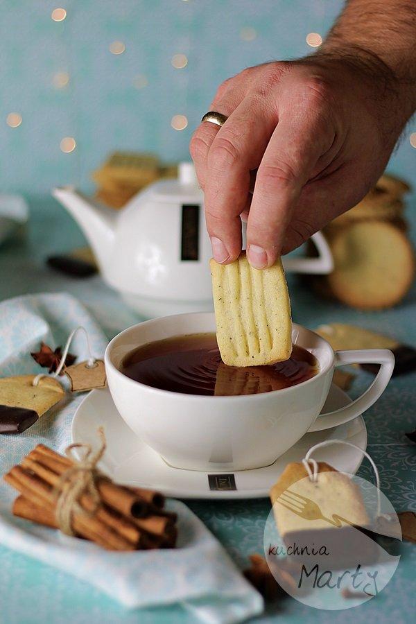 Kruche ciasteczka z herbatą
