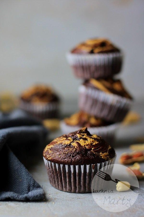 0611 - Muffinki czekoladowe z masłem orzechowym
