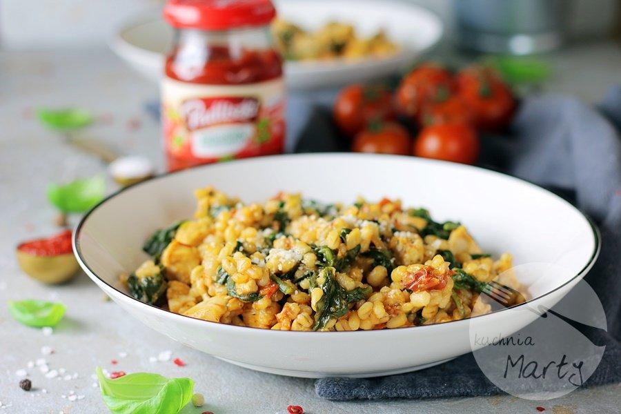 Kaszotto z kurczakiem i suszonymi pomidorami