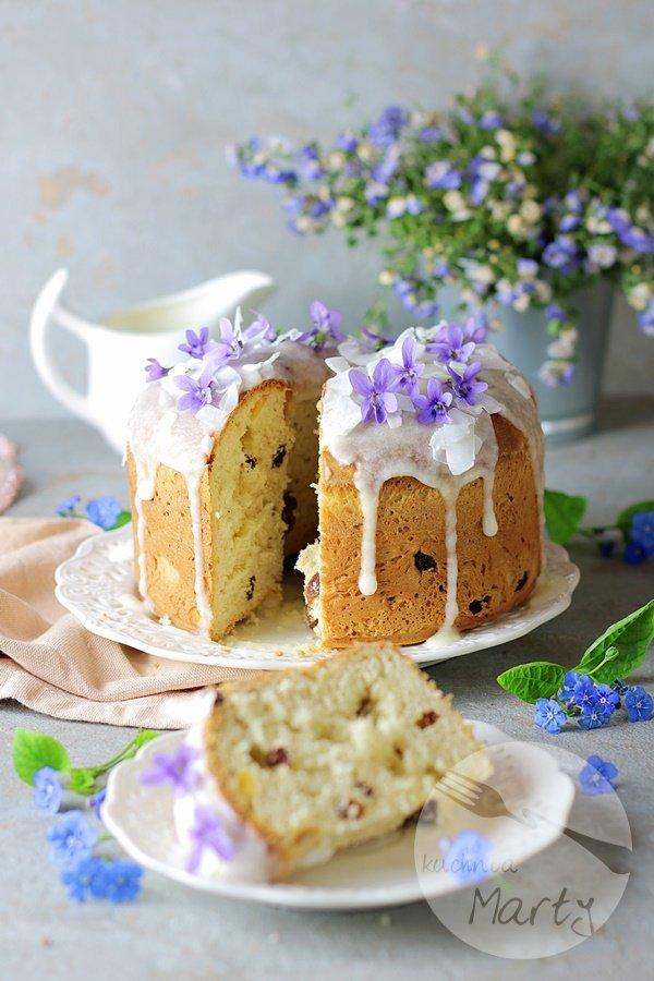 Drożdżowe ciasto Wielkanocne