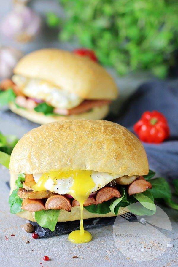6920 - Kanapki z parówkami BBQ i jajkiem sadzonym