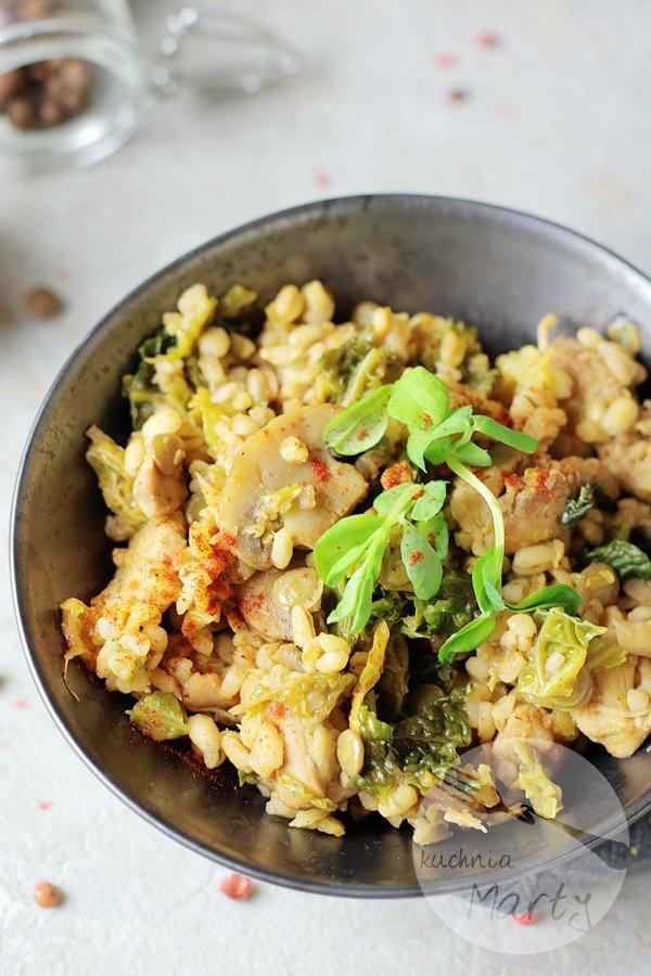 Kaszotto z kurczakiem i włoską kapustą