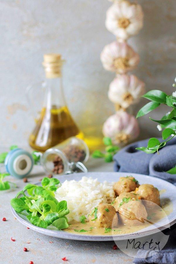 4691 - Pulpeciki w sosie pieczarkowym