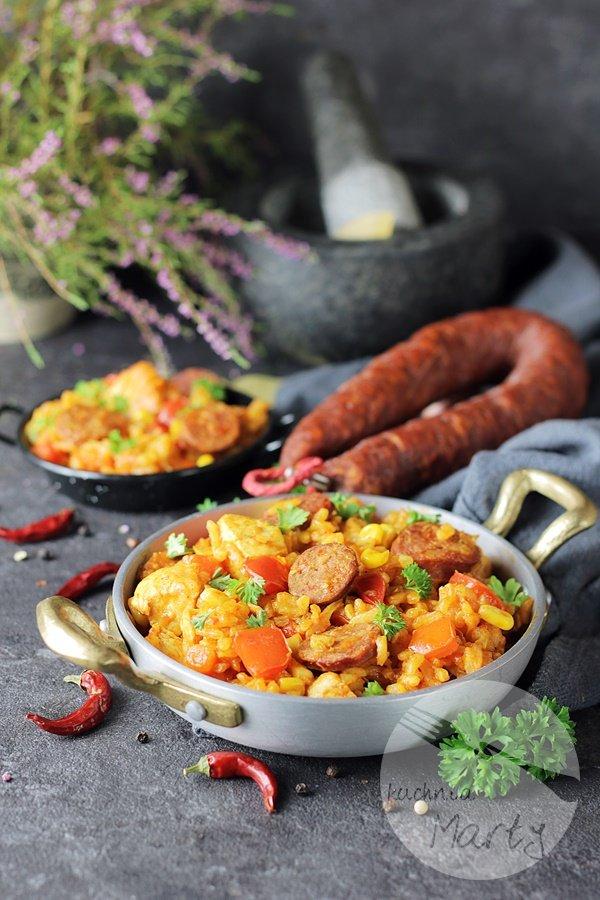 1663 - Paella z kurczakiem i chorizo