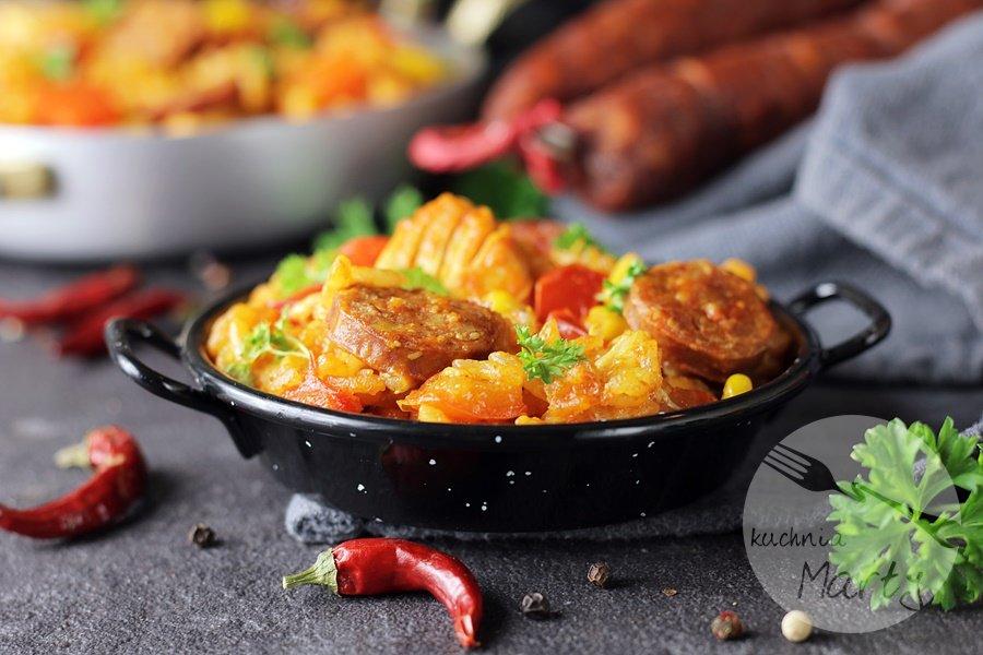 1668 - Paella z kurczakiem i chorizo