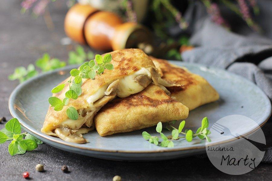 1106 - Naleśniki z pieczarkami i mozzarellą